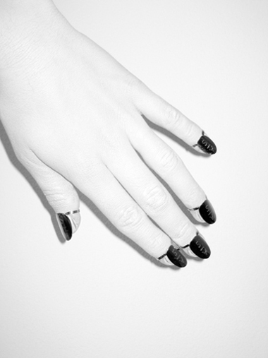 White Hand Fake Nails MME A-S DAVIK